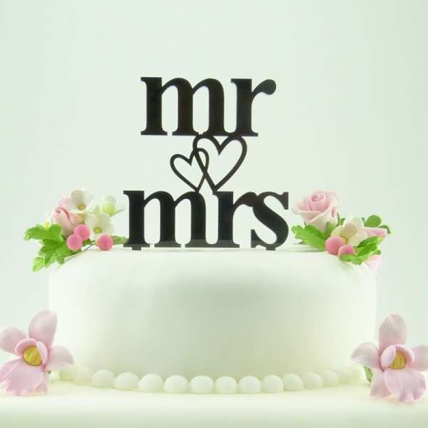 "Cake-Topper ""Mr&Mrs"" mit Herz Acryl SCHWARZ"
