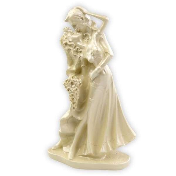 Brautpaar küssend weiß